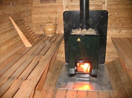 Печь-каменка на твёрдом топливе
