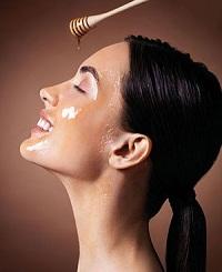 После медовых втираний кожа делается упругой и эластичной