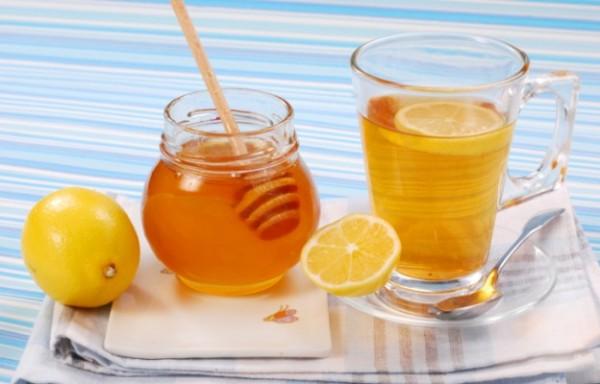 После парилки – обязательный чай с медом и лимоном