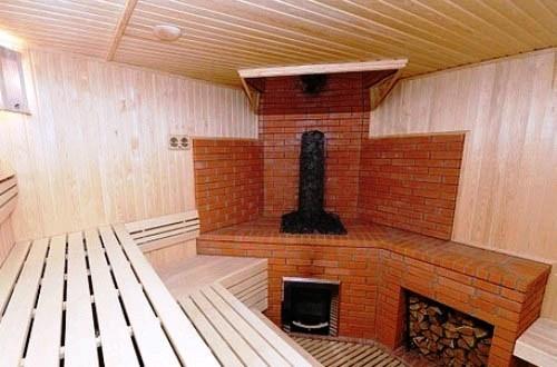 Правильно организованный дымоход позволяет топить печь и парится одновременно