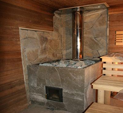 При определенном мастерстве самодельная металлическая печь для бани может выглядеть не хуже заводской.