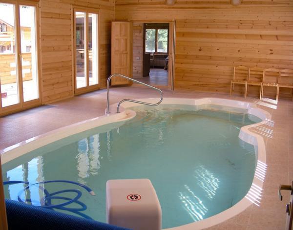 Пример бассейна в комбинированной бане