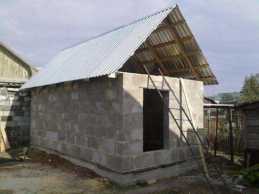 Пристройка под отдельной крышей