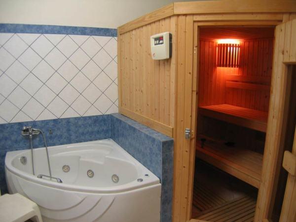 Сауна, расположенная в ванной комнате