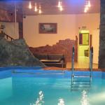 sauna s teplym basseynom