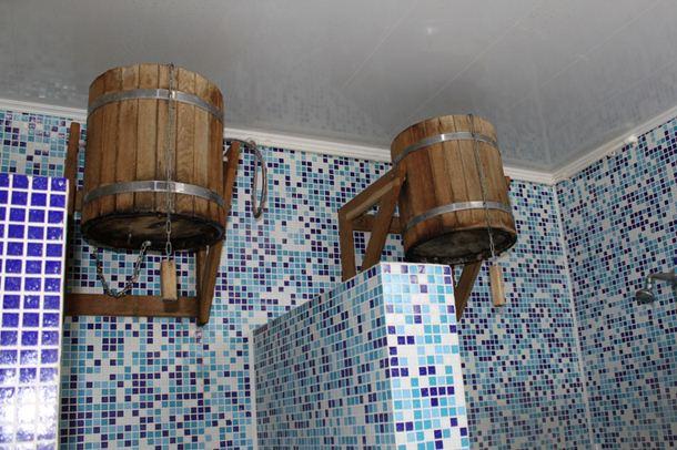 Совместить несовместимое: деревянные бондарные кадки и мозаичная плитка