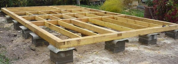 Свайный фундамент для бани из бетонных блоков