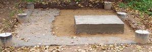 Свайный фундамент для бани с посадочным местом для печи