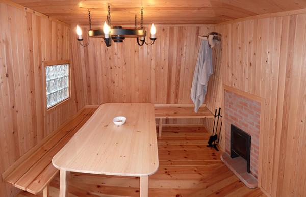 Топка способна придать комнате отдыха дополнительный шарм и уют.