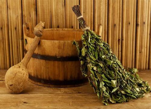 Традиционные аксессуары для банных процедур на Руси изготавливались из дерева.