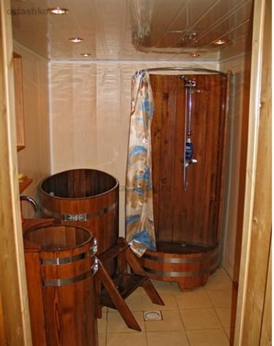 Убранство помывочной комнаты в бане