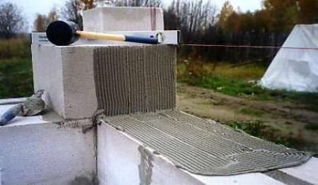 Укладка блоков по шнуру
