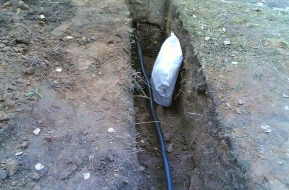Укладка кабеля в траншею