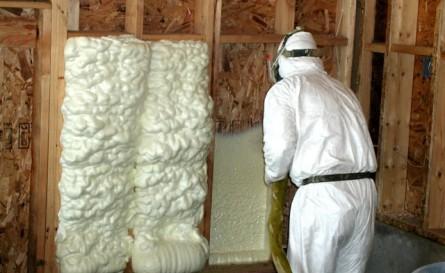 Утепление стен с помощью монтажной пены