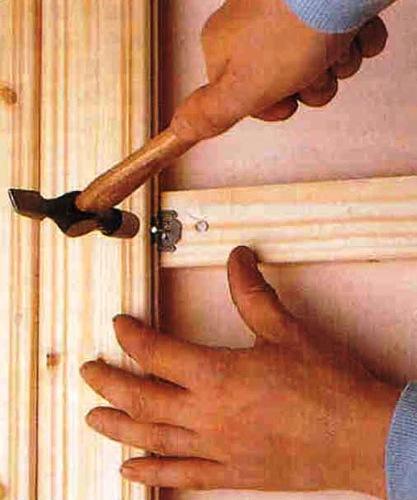 Вагонка укрепляется на обрешетке, которая служит каркасом для теплоизоляции.