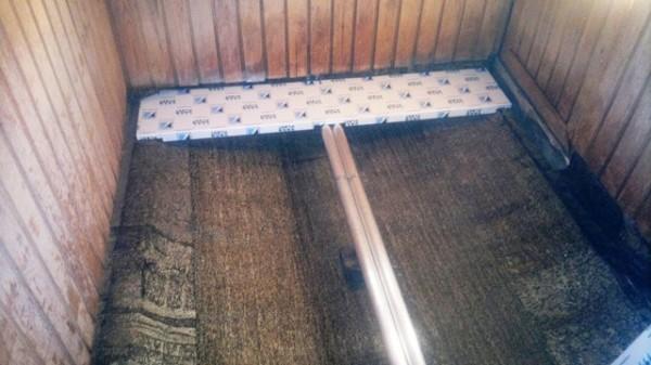 Заводская панель для декоративного оформления отверстия трапа, которая комбинируется с проливными полами
